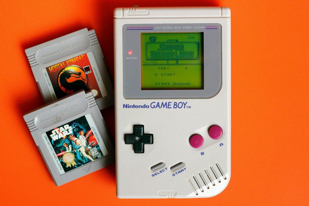 Nintendo Game Boy - prva prenosna gaming konzola sa izmenjivim kertridžima