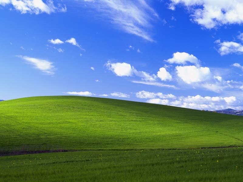 Bliss - podrazumevana pozadina za desktop Windows XP operativnog sistema